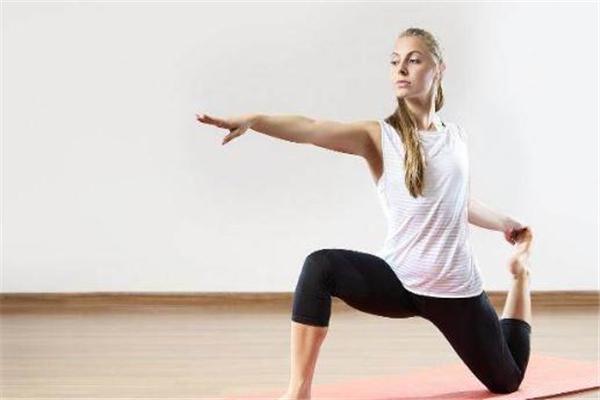 练高温瑜伽的注意事项 练高温瑜伽的好处有哪些