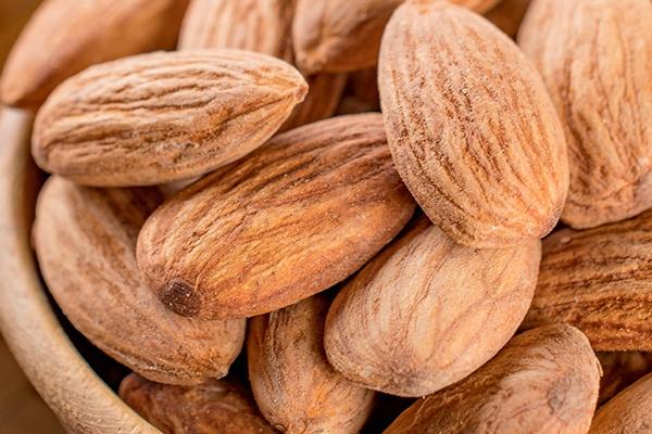 巴旦木是桃仁吗 属于扁桃仁
