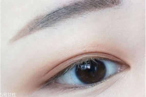 橘棕色眼影怎么画 金棕色眼影画法