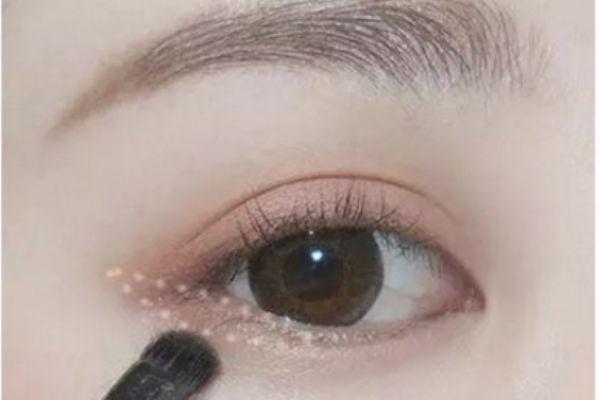 肉橘色眼妆怎么画 橘色的眼妆