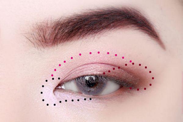 网红眼妆画法 浪漫大眼妆教程