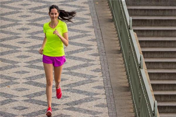 慢跑膝盖疼是怎么回事 骨头磨损所致