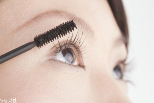 大眼娃娃妆怎么化 韩国大眼妆画法