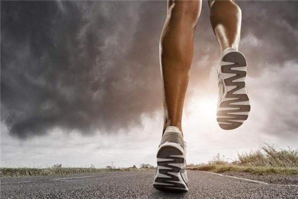 慢跑一小时消耗多少卡路里 和速度及体重有关
