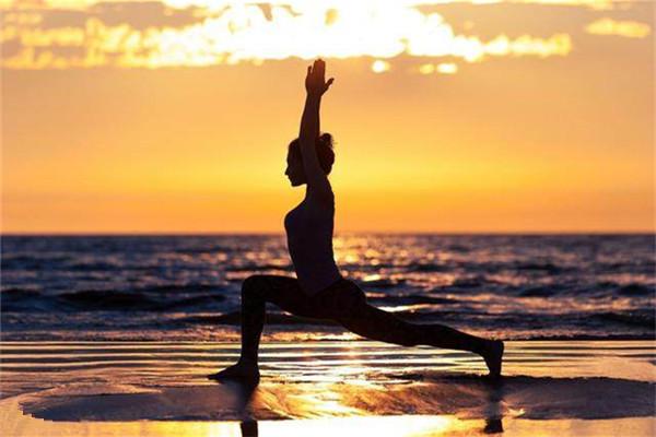 阴瑜伽是什么瑜伽 3招就能舒筋又变美