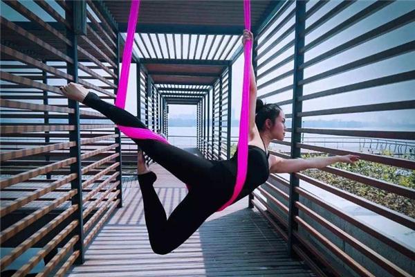 孕妇能练习空中瑜伽吗 孕妇练习瑜伽要注意什么呢