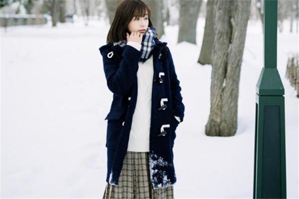 下雪穿什么衣服拍照好看 这些外套少不了