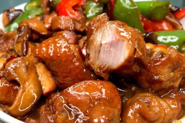 黄焖鸡要焖多久 看是什么鸡肉