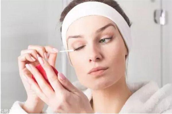 怎么卸睫毛膏 教你如何卸掉睫毛膏