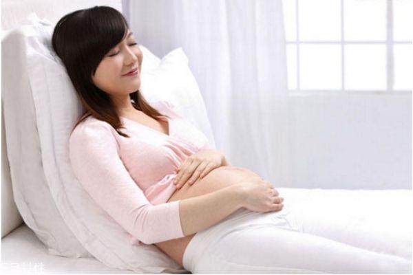 孕妇有奶水出来正常吗 孕妇什么时候有奶水