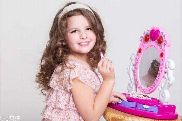 小孩怎么化妆好看 这样化妆好看又简单
