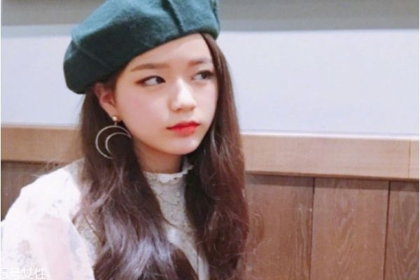2019长发烫发发型图片 韩版女神长卷发