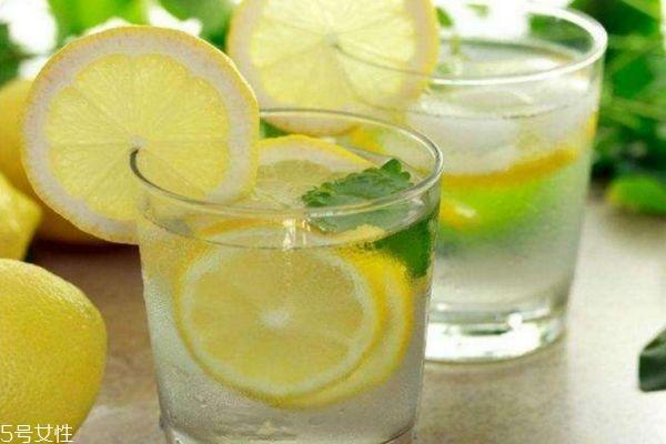蜂蜜水减肥法最快秘籍 柠檬蜂蜜水减肥法