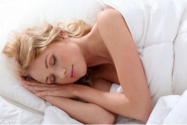 睡前护肤品的使用顺序 睡前护肤的正确方法
