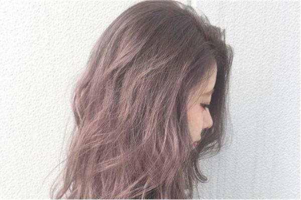 浅棕色头发适合什么年龄 浅棕色头发适合什么肤色