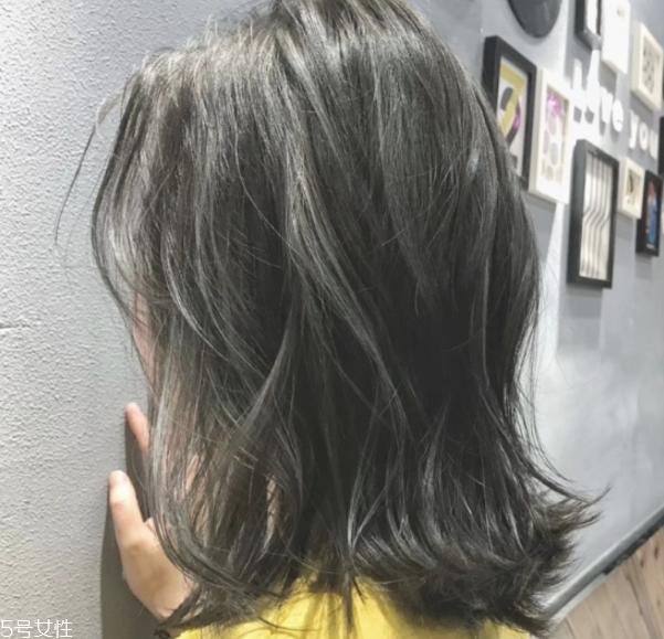 棕灰色头发需要漂吗 棕灰色头发图片