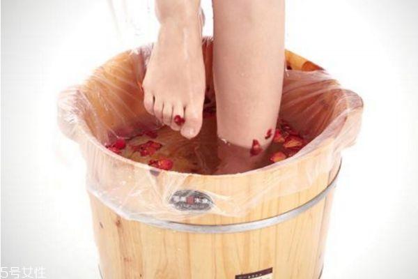 泡脚每天应该泡多久 如何正确泡脚