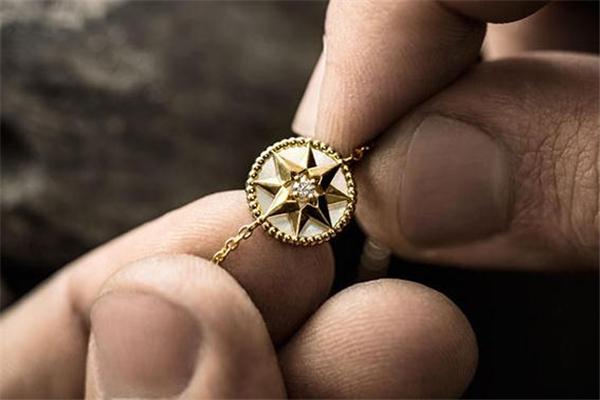 迪奥八芒星项链价格 气质珠宝系列