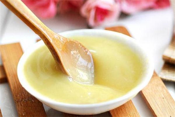 低血压能吃蜂王浆吗 可能产生不适
