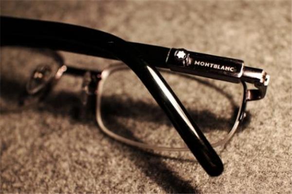 万宝龙眼镜什么档次 奢侈品价位
