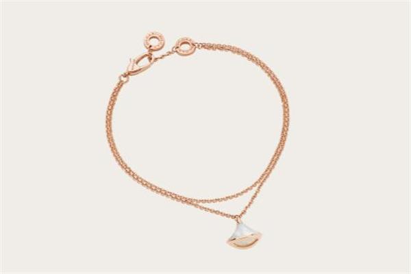 宝格丽扇子手链怎么扣 别致的双链设计