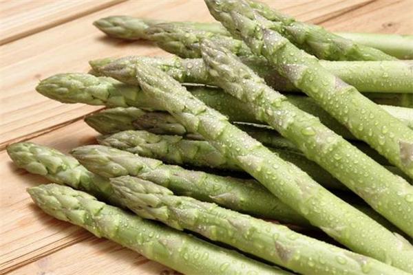 坐月子可以吃芦笋吗 有利于产妇恢复