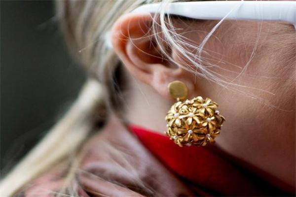 2019年流行什么耳环 时装周耳环流行趋势