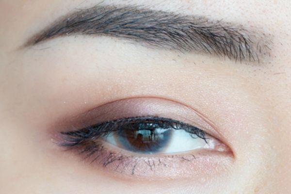 lunasol双色眼影盘有哪些颜色 lunasol双色眼影画法