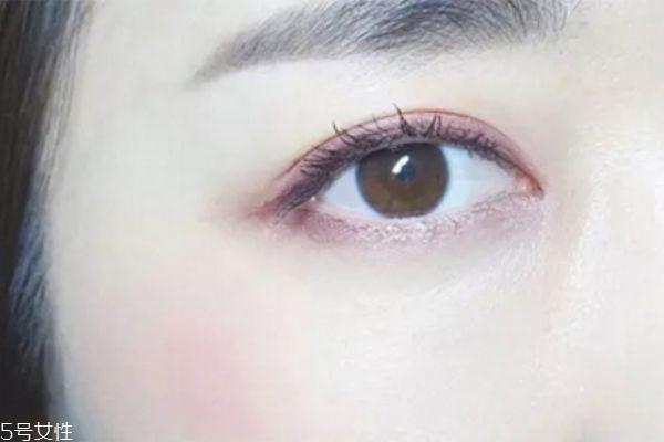 粉紫色眼妆怎么画 粉色和紫色眼影的画法