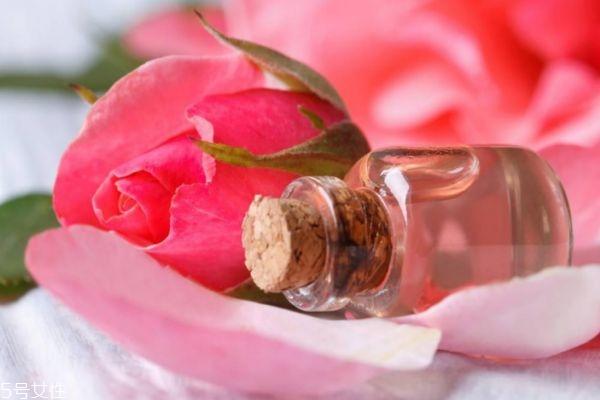 玫瑰水适合什么肤质 使用玫瑰水的注意事项