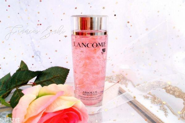 玫瑰花泡水洗脸好处 玫瑰花泡水洗脸的功效