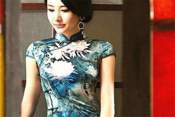 旗袍是哪个民族的服饰 旗袍的起源