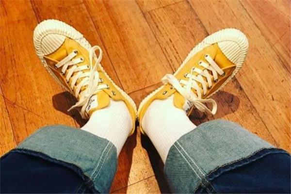 excelsior饼干鞋和匡威哪个好 帆布鞋品牌对比