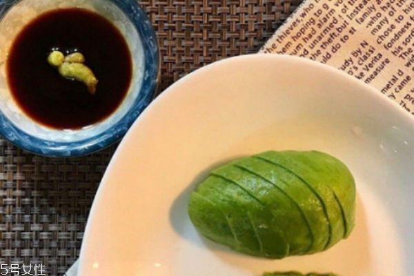 牛油果可以空腹吃吗 牛油果不能和西瓜一起吃