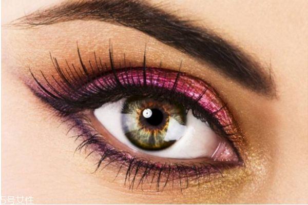 皮肤黄用什么眼影 皮肤暗黄适合什么眼影