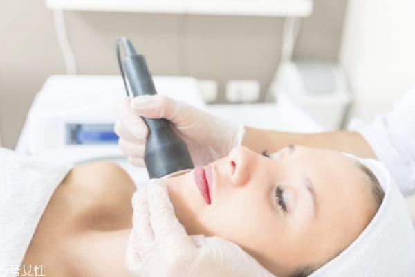 用什么洗脸可以祛斑 洗脸应该注意什么
