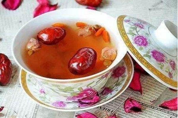 红枣泡水的功效与作用 红枣泡水的禁忌