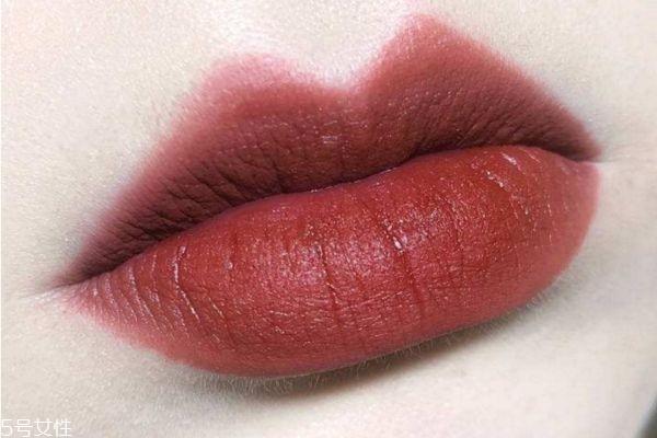 素颜也显白的口红有哪些 无敌百搭蜜桃色口红推荐