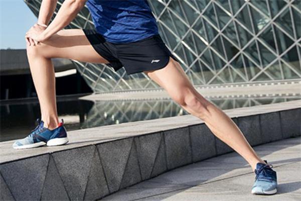 世界上最轻的跑鞋多重图片
