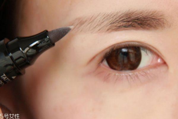 珂莱欧液体眉笔怎么用 珂莱欧液体眉笔使用方法