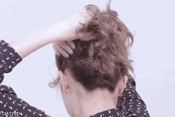 一分钟懒人盘发丸子头 高耸简单丸子头扎法