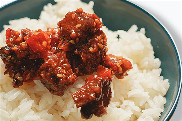 牛肉酱吃了会发胖吗 控制食用量很重要