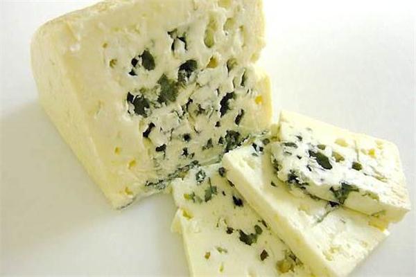 蓝纹奶酪的营养价值 蛋白质很丰富