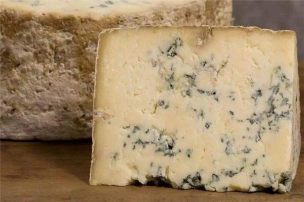蓝纹奶酪好吃吗 蓝纹奶酪是什么味道