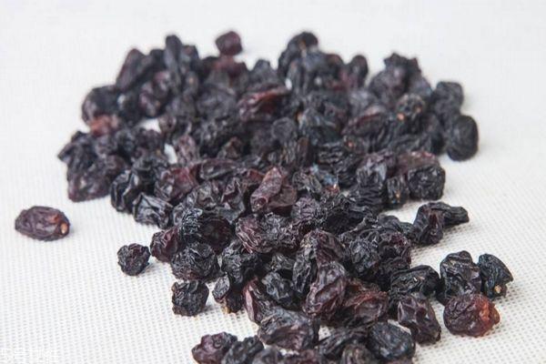 蓝莓果干吃了会长胖吗 蓝莓果干的热量