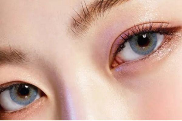 蓝色美瞳配什么眼影 蓝色美瞳适合什么眼妆