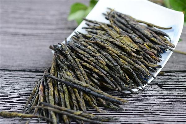 苦丁茶大叶好还是小叶好 大叶苦丁茶和小叶区别