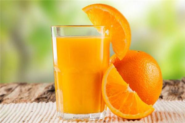 孕妇能喝橙汁吗 选择鲜榨橙汁