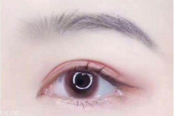 美瞳戴什么颜色好看 最流行的美瞳颜色