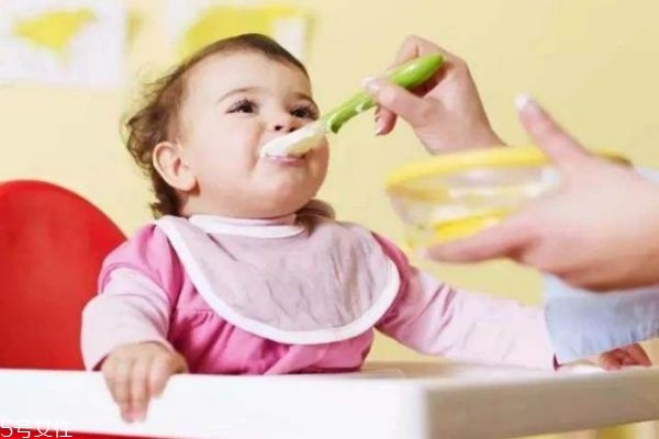 宝宝什么时候吃米粉 米粉的喂养